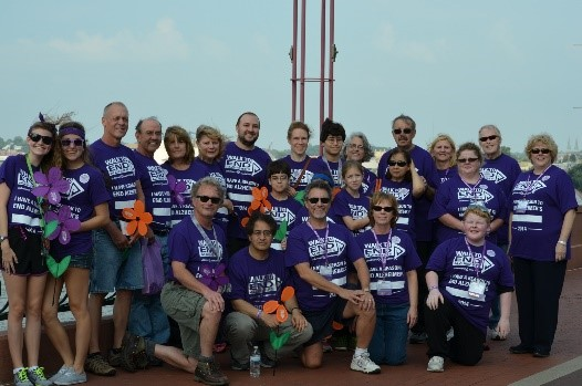 walk to end alz.jpg